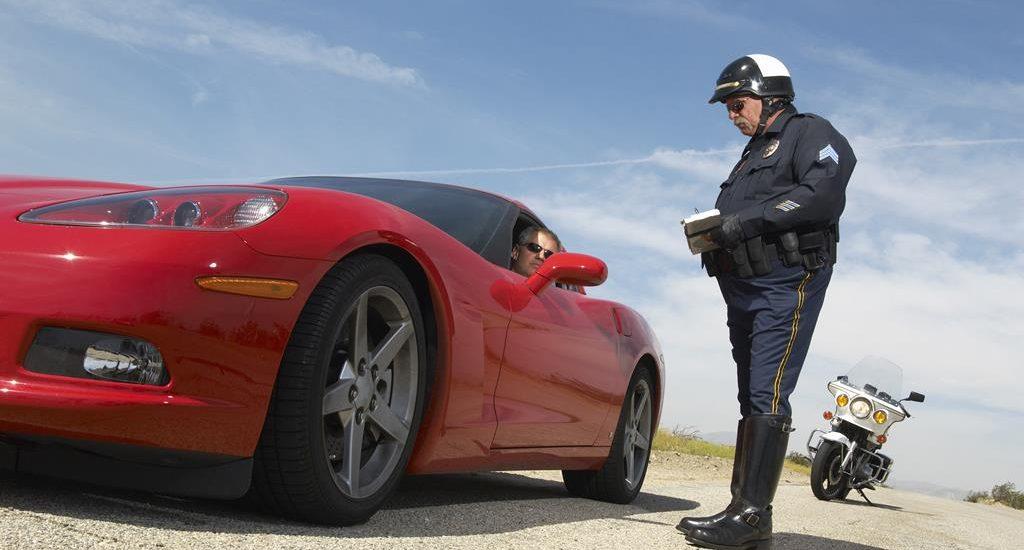 Как себя вести, когда вас остановила полиция за границей?