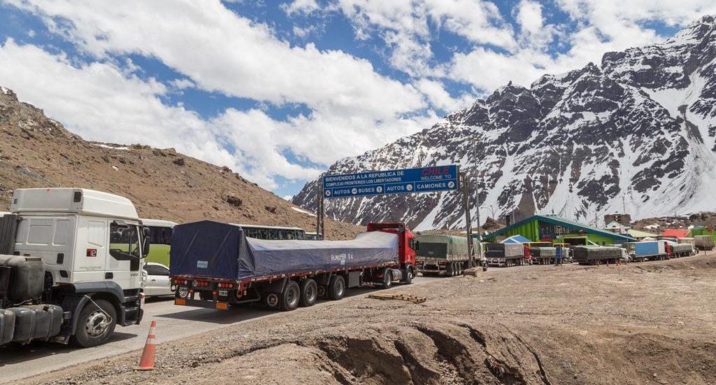 Cruce de las fronteras de un país en vehículo