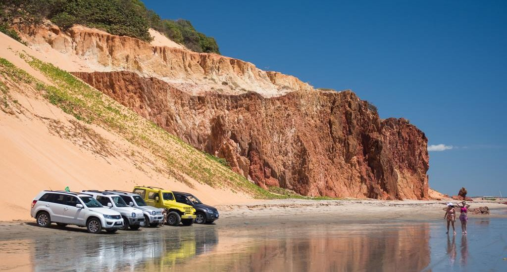 Ir a la orilla del mar en vehículo