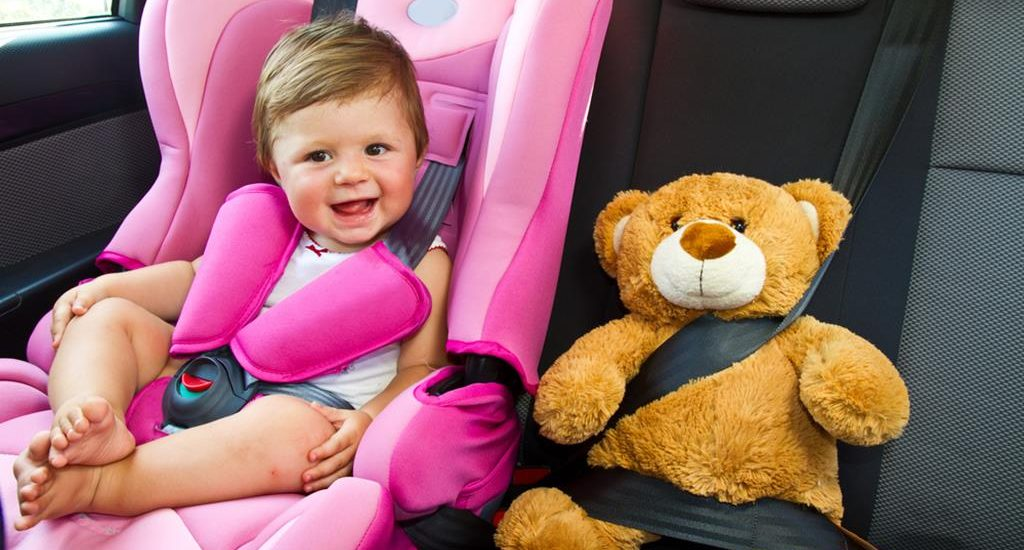 Pros and cons of travelling with a baby