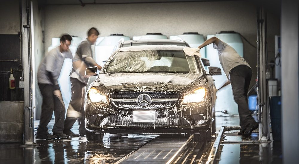Secrets of modern car washing