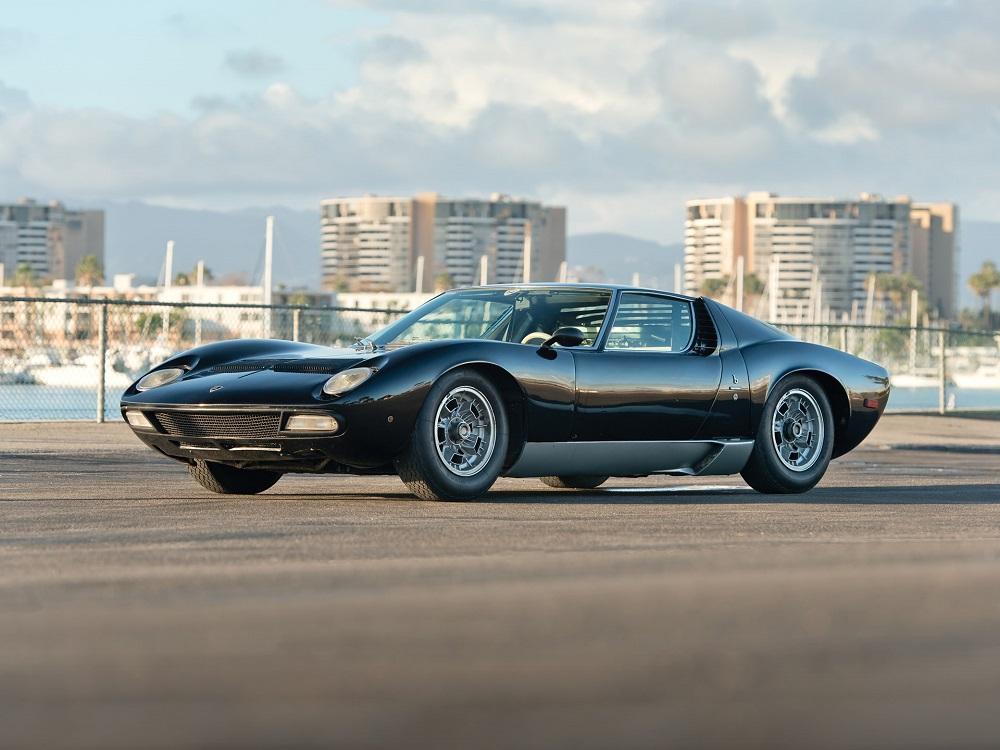 Lamborghini Italian Queen International Driving Authority