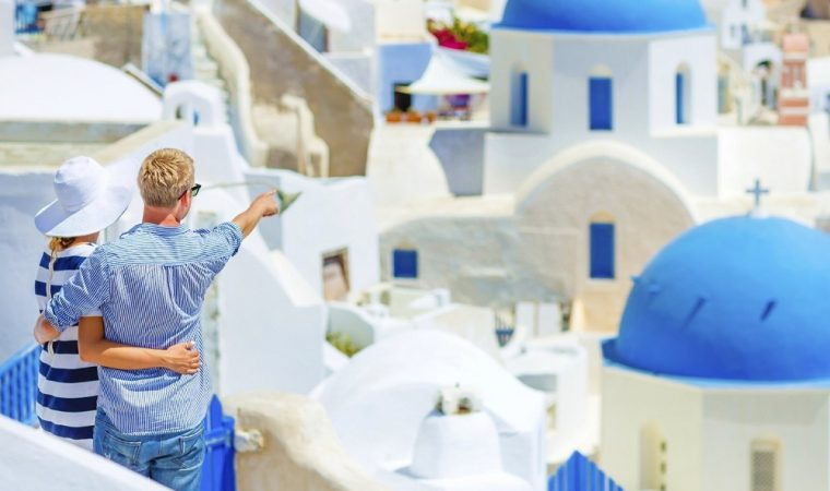 Features of car rental in Greece