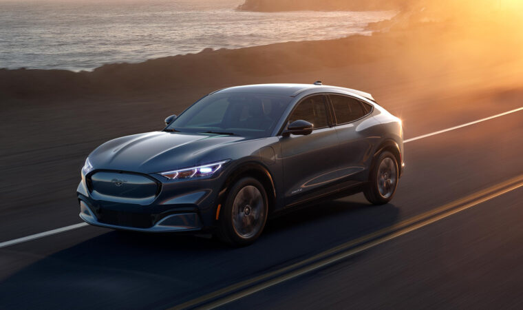 Лучшие новые автомобили 2021 года