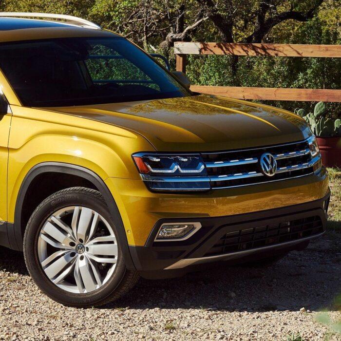 Die erfahrenen Scheinwerfer des Konzerns Volkswagen — der Weg in die glänzende Zukunft