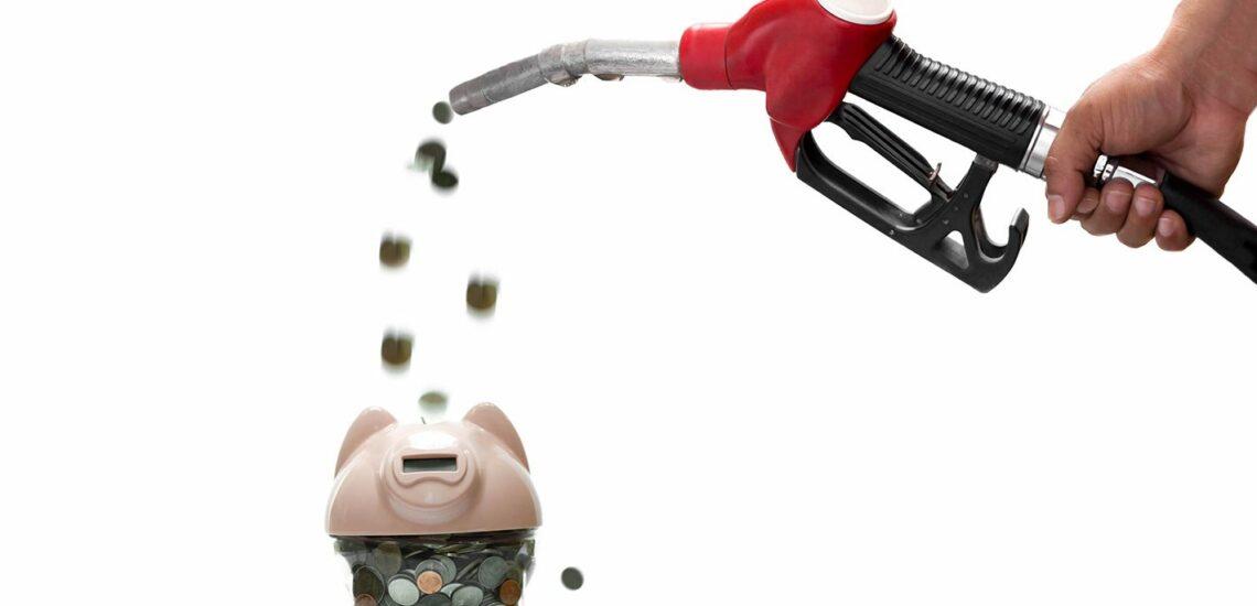 Cómo ahorrar gasolina: 10 formas sencillas